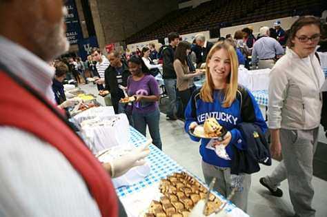 Students received food from their professors during a breakfast buffet at Crunch Brunch 2009.
