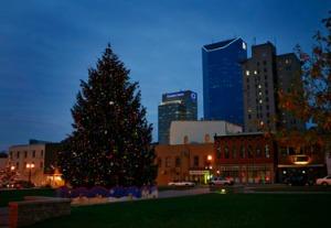downtown_christmas_tree